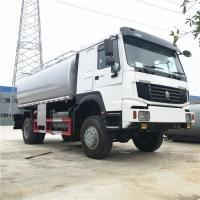 Quality Sinotruk HOWO 4x4 Fuel Tank Truck , High Suspension Water Tank Truck 12-15m3 for sale