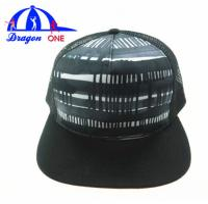 Quality 5 Panel Custom Snapback Hats , Customized Adults Flat Peak Mesh Trucker Caps for sale