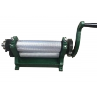 Quality 86*310mm Aluminum Alloy Beeswax Foundation Machine Reasonable Structure High Reliability for sale